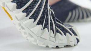 Furoshiki-Vibram-shoes-600x338